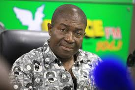 Photo of Akufo-Addo fights graft better than Mahama – Nana Akomea